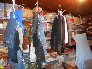 Time to organize dressingroom_craft room 05092013 (3)
