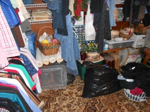 Time to organize dressingroom_craft room 05092013 (4)
