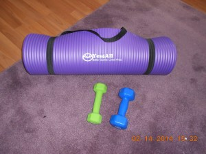 Exercise mat and weights.