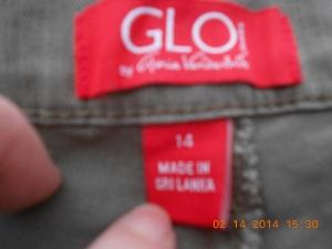 Gloria Vanderbilt jeans in a size 14.