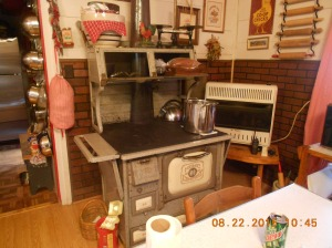 Kitchen Cook/woodstove